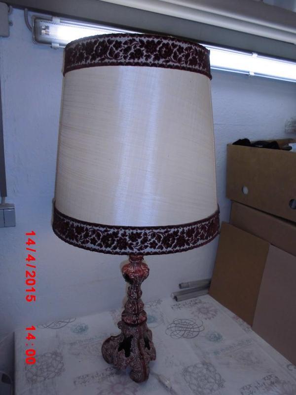 Tischlampe bordeauxrot porzellan tischleuchte leuchte for Lampen stuttgart