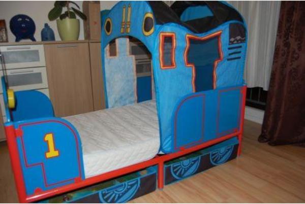 tolles thomas die lokomotive bett in n rnberg kinder. Black Bedroom Furniture Sets. Home Design Ideas