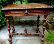 Verkaufe antiken Tisch