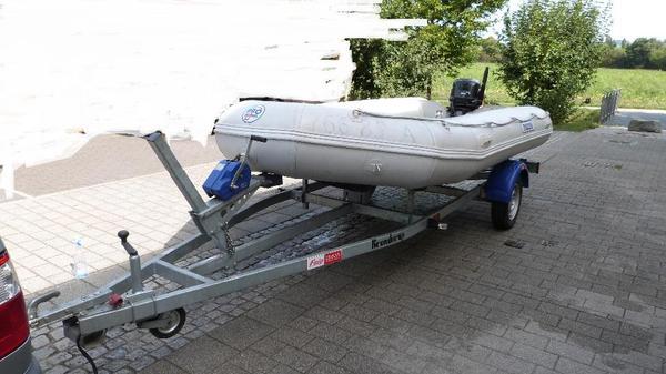 verkaufe schlauchboot mit trailer in viernheim kanus. Black Bedroom Furniture Sets. Home Design Ideas