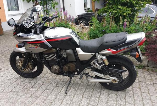 Kawasaki Zst