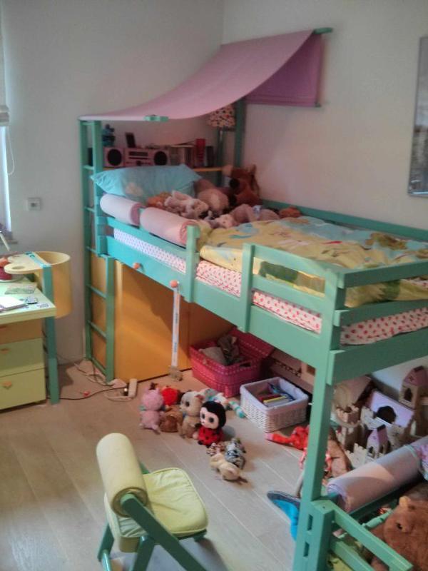 Vibel kinderzimmer hochbett schreibtisch schr nke for Kinderzimmer quoka