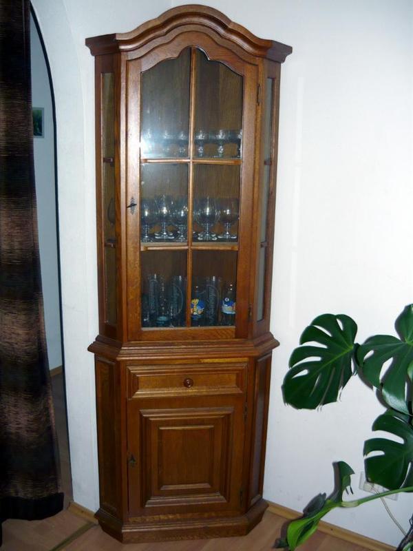 vitrine eckvitrine eiche rustikal massiv echtholz in waibstadt stilm bel bauernm bel kaufen. Black Bedroom Furniture Sets. Home Design Ideas