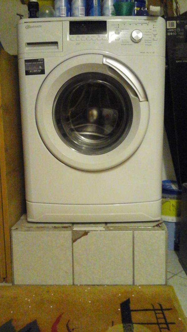 waschmaschine und kondensw rmepumpentrockner in wagh usel. Black Bedroom Furniture Sets. Home Design Ideas
