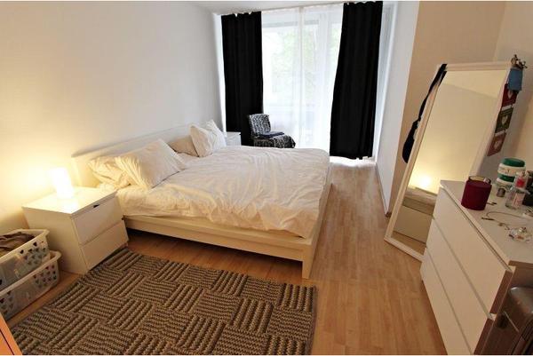 wohnung etagenwohnung mieten in m nchen kleinanzeigen aus m nchen rubrik vermietung 2 zimmer. Black Bedroom Furniture Sets. Home Design Ideas