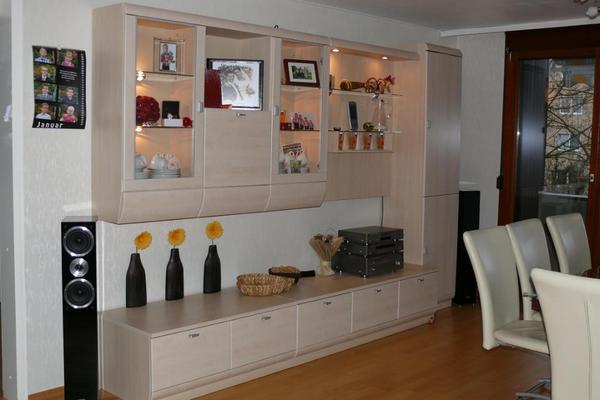 wohnwand modern beige mit viel stauraum np 1400eur mit beleuchtung in n rtingen. Black Bedroom Furniture Sets. Home Design Ideas