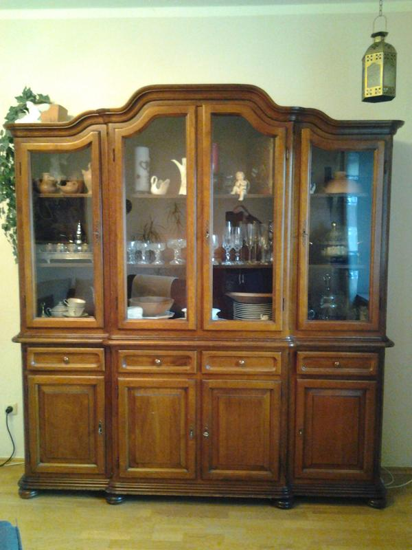 wohnzimmerschrank buffetschrank antik in m nchen. Black Bedroom Furniture Sets. Home Design Ideas