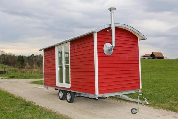 zirkuswagen als wohlf hl bauwagen baujahr 2013 in griesbach anh nger auflieger kaufen und. Black Bedroom Furniture Sets. Home Design Ideas