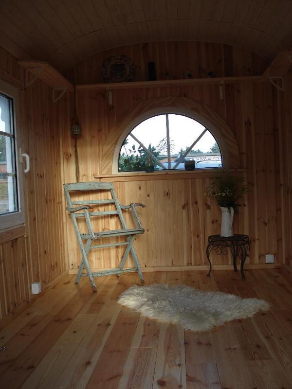 zirkuswagen bauwagen gartenhaus verkaufswagen apartment in berlin wohnmobile kaufen und. Black Bedroom Furniture Sets. Home Design Ideas
