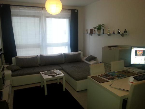 1 raum wohnung sucht nachmieter f r sofort 305eur miete in berlin vermietung 1 zimmer. Black Bedroom Furniture Sets. Home Design Ideas