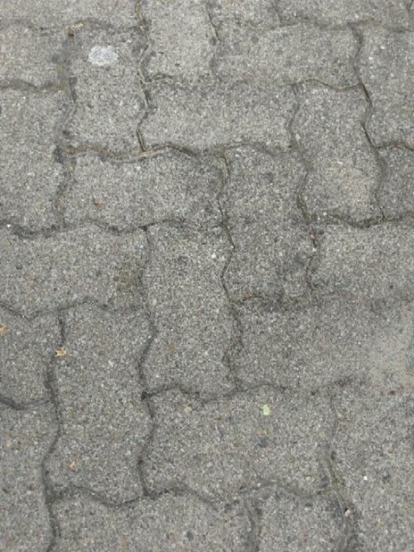 14 qm Knochen Steinen - Ludwigshafen Mundenheim - 14 qm Knochen Steine zu verschenken - Ludwigshafen Mundenheim
