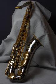 2 Saxophone mit