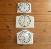 3 alte Küchenuhren