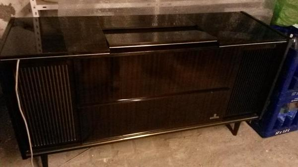 alte musikschrank musiktruhe grundig stereo. Black Bedroom Furniture Sets. Home Design Ideas