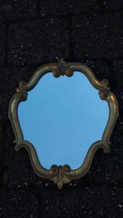 Alter Spiegel mit