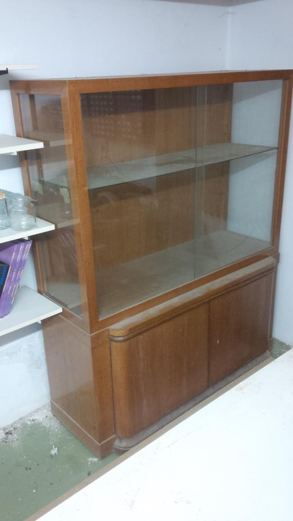 Möbel wohnzimmer antik  antik Möbel Wohnzimmer ca. 1920 (Mid-century): Vitrine und Buffet ...