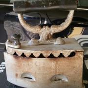 Antiquität Holzkohle - Bügeleisen