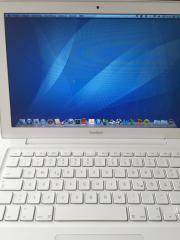 Apple MacBook 7,