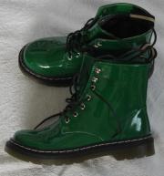 auffällige grüne Schuhe