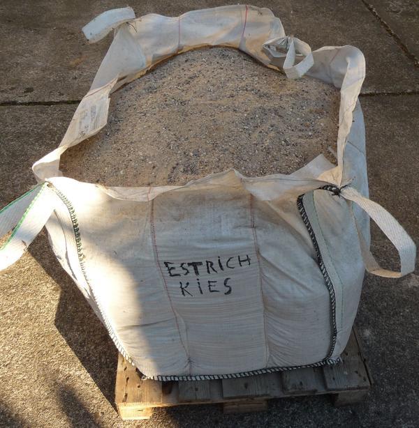 Big Bag Mit Estrichkies Sand Und Kies Kornung Ca 0 Bis 8 Mm In