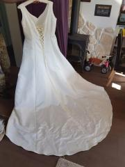 Brautkleid tragbar Grösse