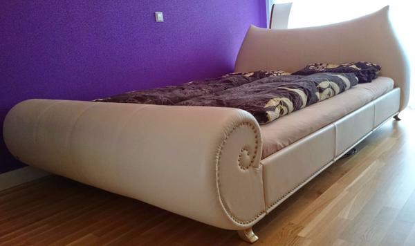 bretz bett gaudi leder creme mit motorrahmen in frankfurt. Black Bedroom Furniture Sets. Home Design Ideas