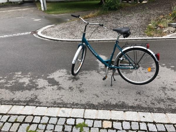 Damen Citybike, 28 Zoll, 48 er Rahmenhöhe - Bruckmühl - Verkaufe ein Damen Citybike von Everest, 28 Zoll und 48er Rahmenhöhe. Wenn Fragen sind bitte anrufen. 01709459626 - Bruckmühl