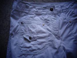 Damen Hose Caprihose Gr 40: Kleinanzeigen aus Hamburg Eidelstedt - Rubrik Damenbekleidung
