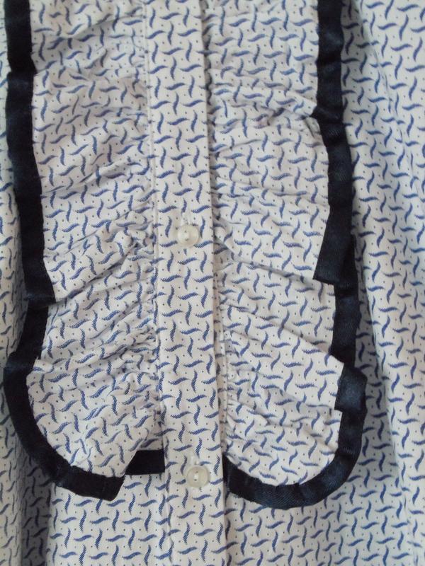 Denim & Co. Bluse Rüschen edel blau. - Münster - Denim & Co. Bluse Rüschen edel blau.Die Bluse wurde nicht getragen, nur gewaschen. Die Bluse ist einfach wunderschön und hat tolle Rüschen. Keine Beschädigungen oder Flecken. Schaut Euch einfach die Bilder an. Größe: 50Farbe: blau weiß s - Münster