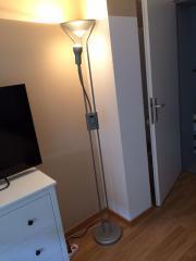 Dimmbare Stehlampe von