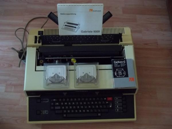 Elektronische Schreibmaschine TRIUMPH bis A