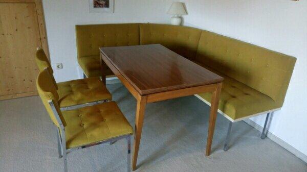 Essecke mit Tisch und zwei Stühlen, original 60er Jahre gebraucht kaufen  86926 Greifenberg