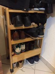 fahrbahrer Schuhschrank Schuhe