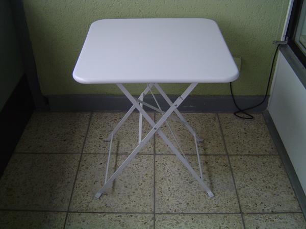 garten oder balkon tisch neu und 1 stuhl gebraucht alles. Black Bedroom Furniture Sets. Home Design Ideas