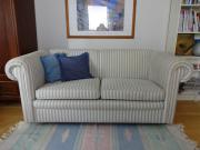 gemütliches Sofa hellblau