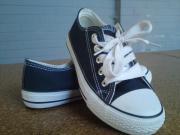 Gr 33 Canvas-Schuhe