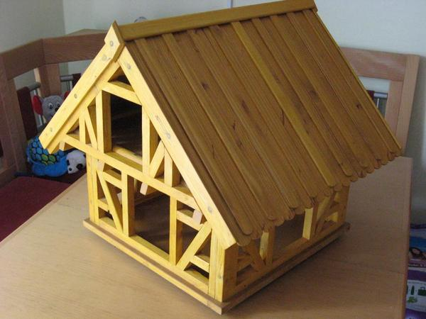gro es vogelhaus in fachwerk bauweise in eigener. Black Bedroom Furniture Sets. Home Design Ideas