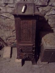 Gusseisernen Ofen antik