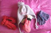 Handschuhe und Fleecemütze