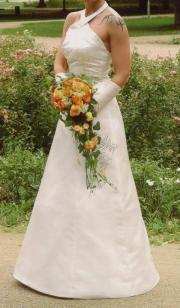 Hochzeitskleid mit Neckholder,