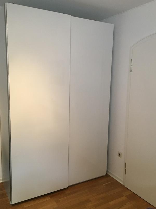 kleiderschrank mit schiebetren ikea ikea kleiderschr nke die besten m bel f r ihr schlafzimmer. Black Bedroom Furniture Sets. Home Design Ideas
