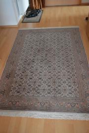 Indischer Teppich, handgeknüpft,