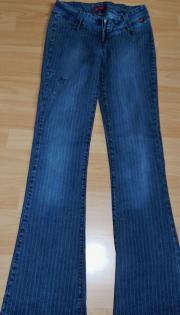 Jeans blau mit weißen Streifen