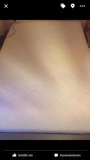 Kaltschaummatratze mit Lattenrost
