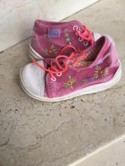 Kinder Schuhe 24