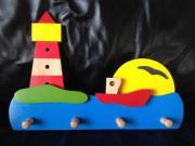 Kinder-Wandgaderobe Leuchtturm und Schiff aus