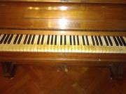 Klavier von Firma