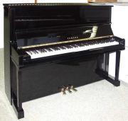 Klavier Yamaha U10A