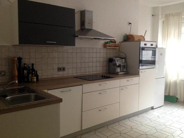 Küche inklusive Elektrogeräte, 1 Jahr alt. Küchenzeile von Höffner ... | {Küchenzeile mit elektrogeräten 75}