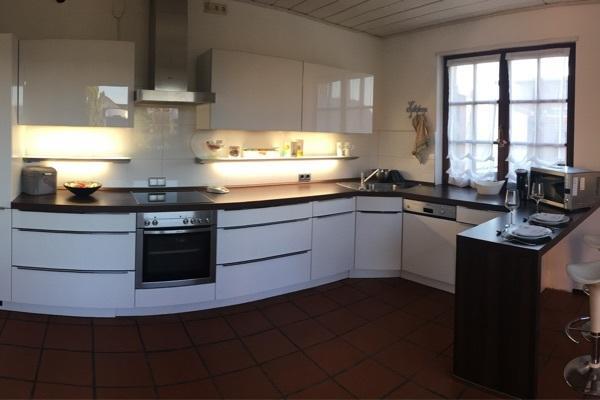 Moderne Küche Weiß Hochglanz, Firma Mondo, Inkl. Elektrogeräte In